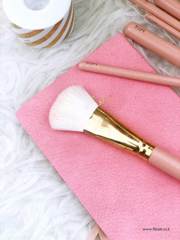 מברשת היילייטר MT5 Glam Brush מיס תומי