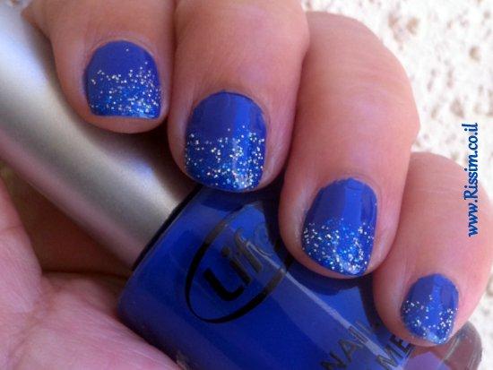 glitter blue manicure