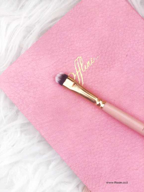מברשת עיניים להדגשות של מיס תומי ומיקאלה - MT1 Definer Brush